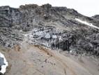 Besteigung der Zugspitze: Die einfachste Route ist der Weg durch die Partnachklamm und das Reintal zum Zugspitzplatt (wie hier zu sehen) und über die Sandreiße am Schneefernerhaus vorbei weiter auf den Gipfel.