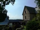 Herrenhaus mit Torbau